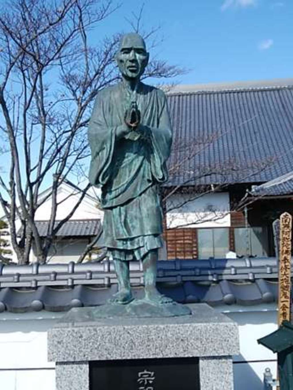 涅槃寺の像