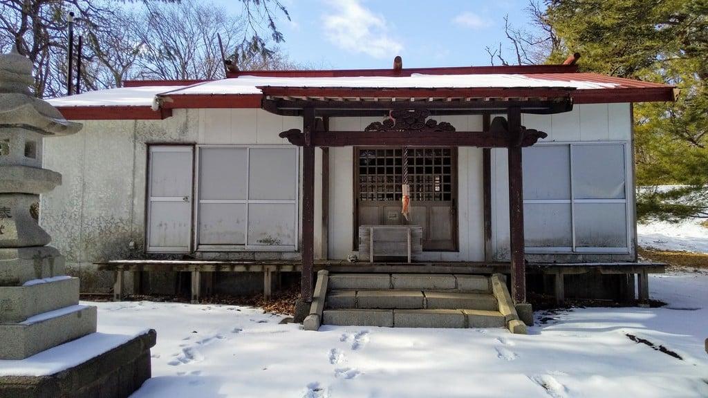 崎守神社の本殿