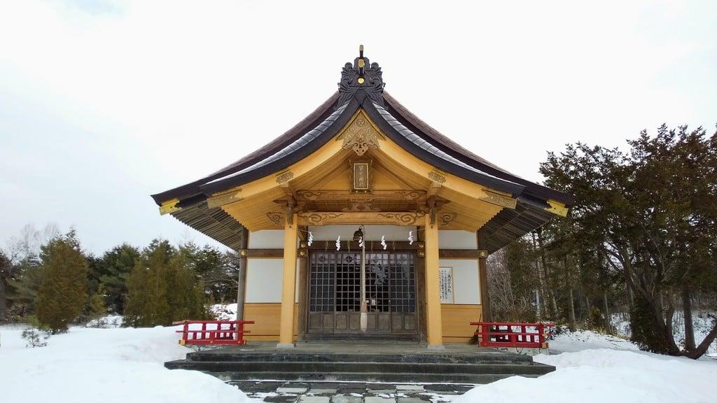 早来神社の本殿