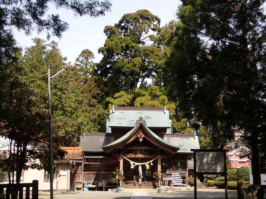 小村神社の本殿