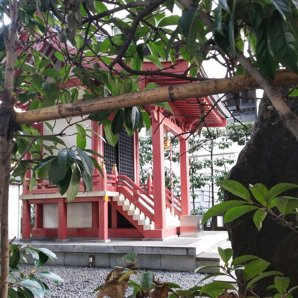 兜神社の本殿