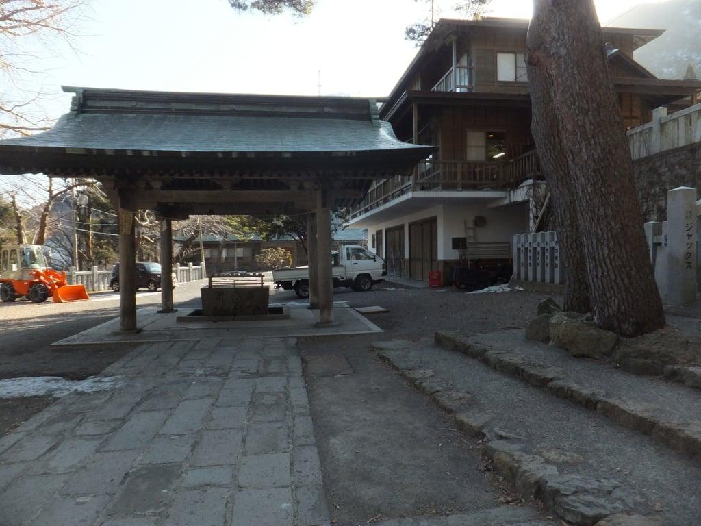 函館八幡宮の山門
