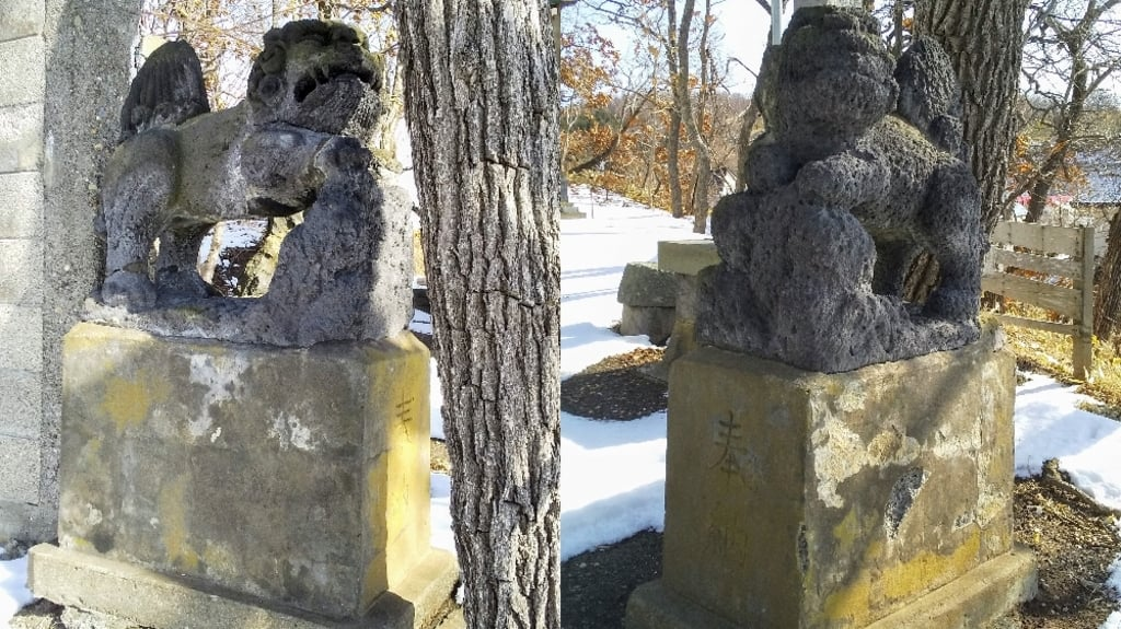 黄金神社の狛犬