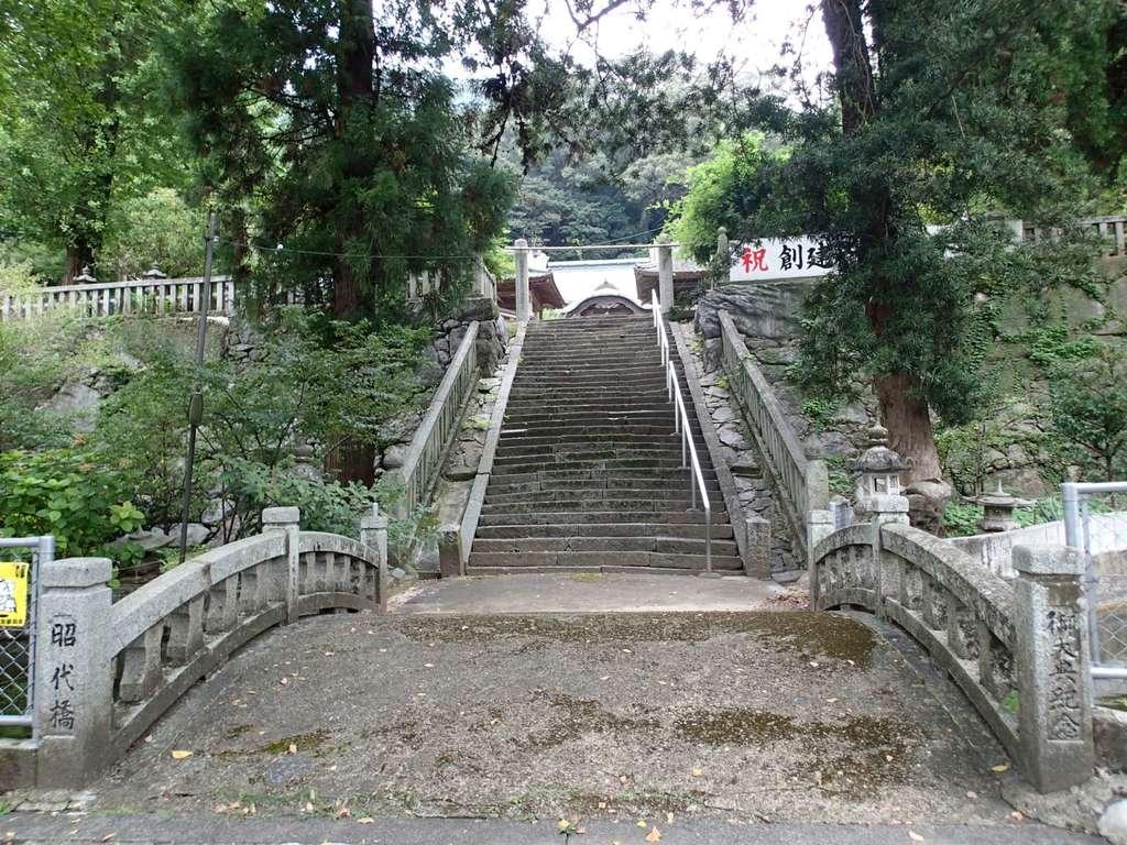 香春神社の建物その他