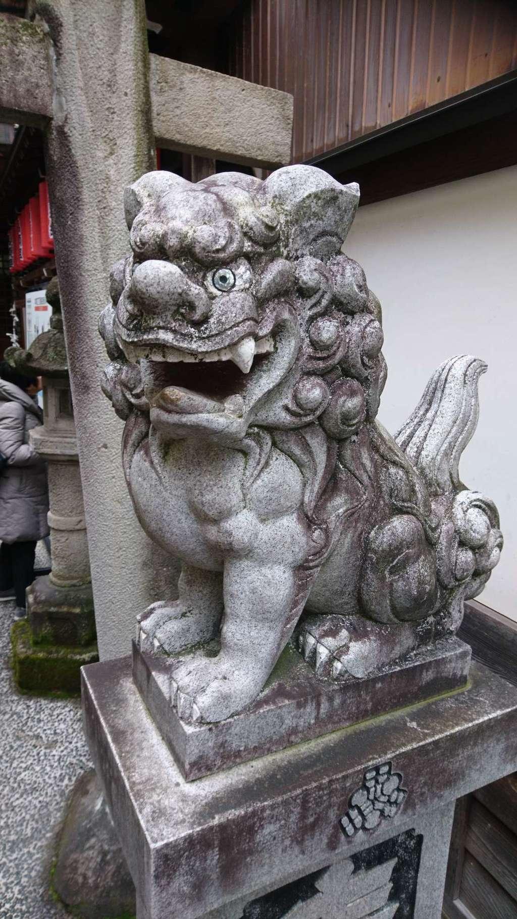山桜神社の狛犬