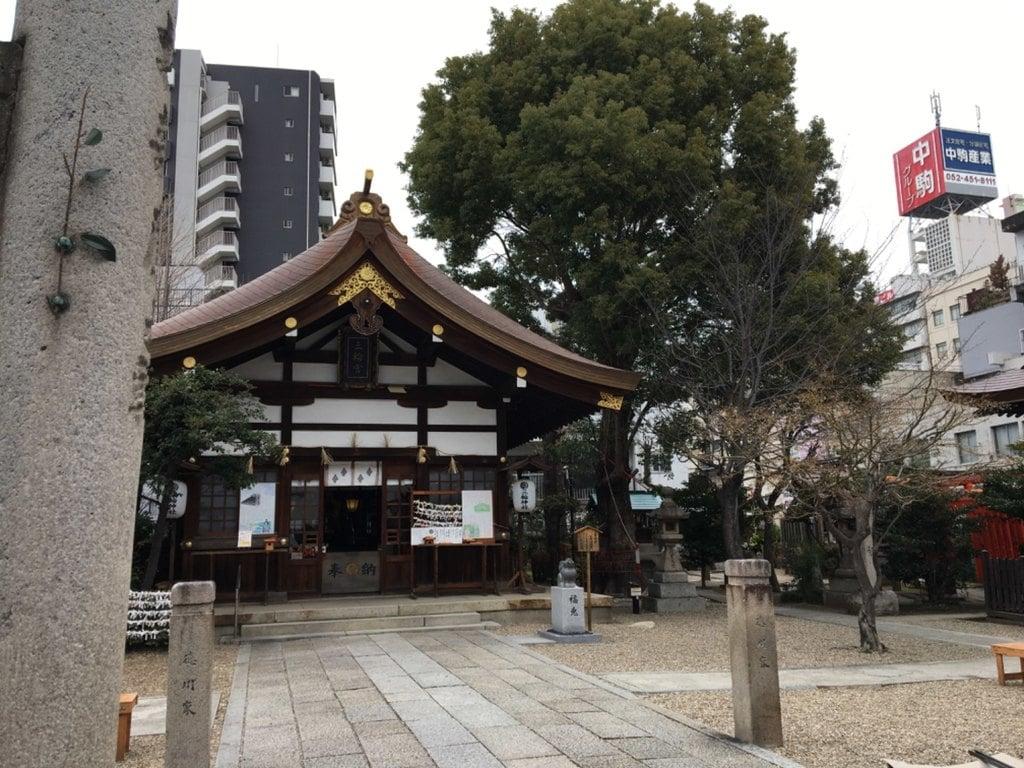 三輪神社の建物その他