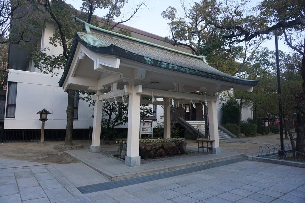 湊川神社の手水