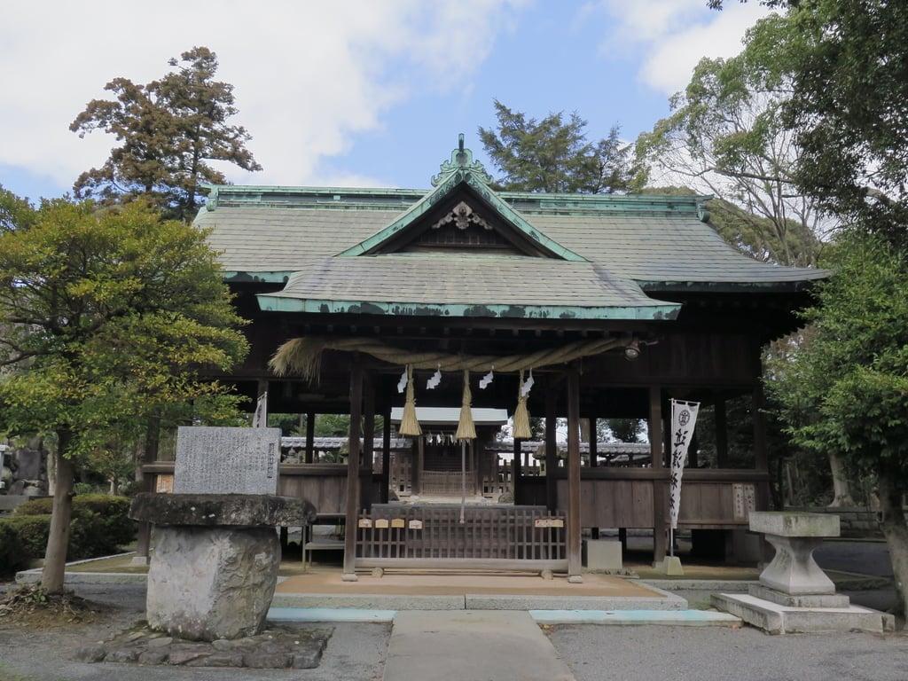 近津神社の本殿