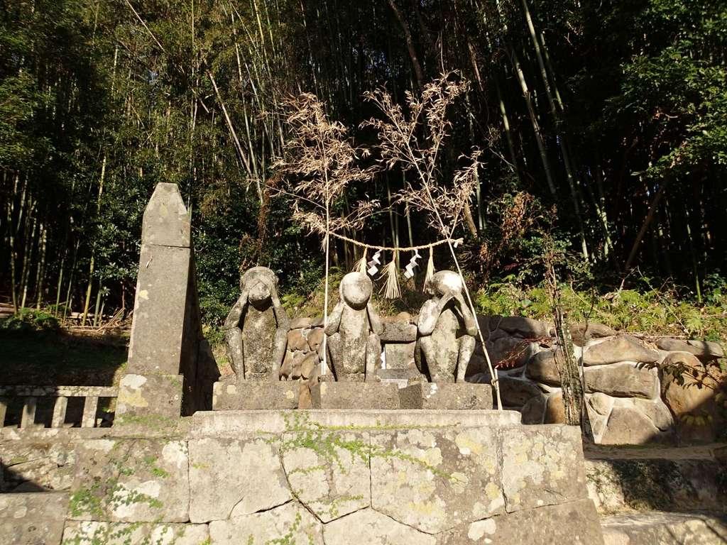 白沙八幡神社の狛犬