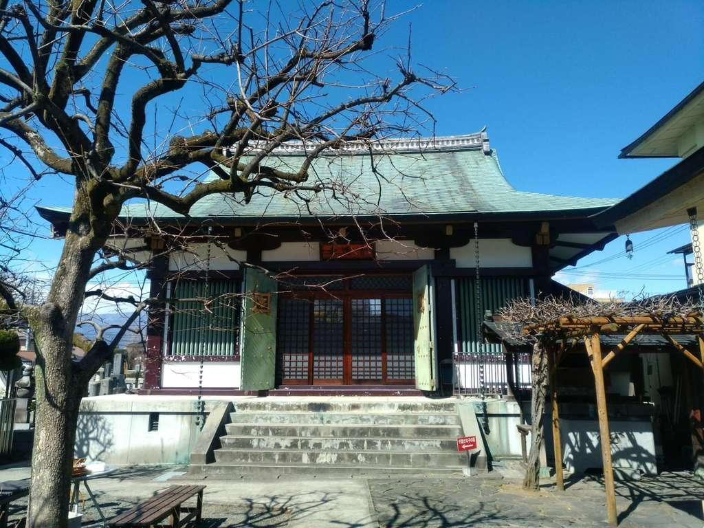 清運寺の本殿