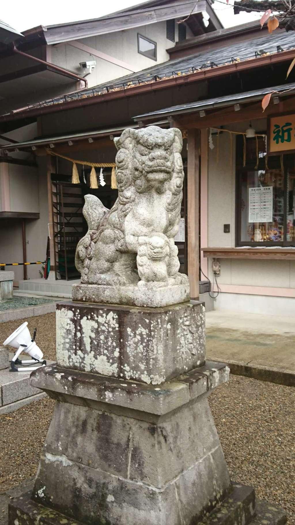 二柱神社の狛犬