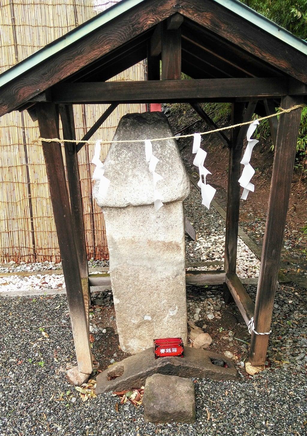 愛宕神社の像