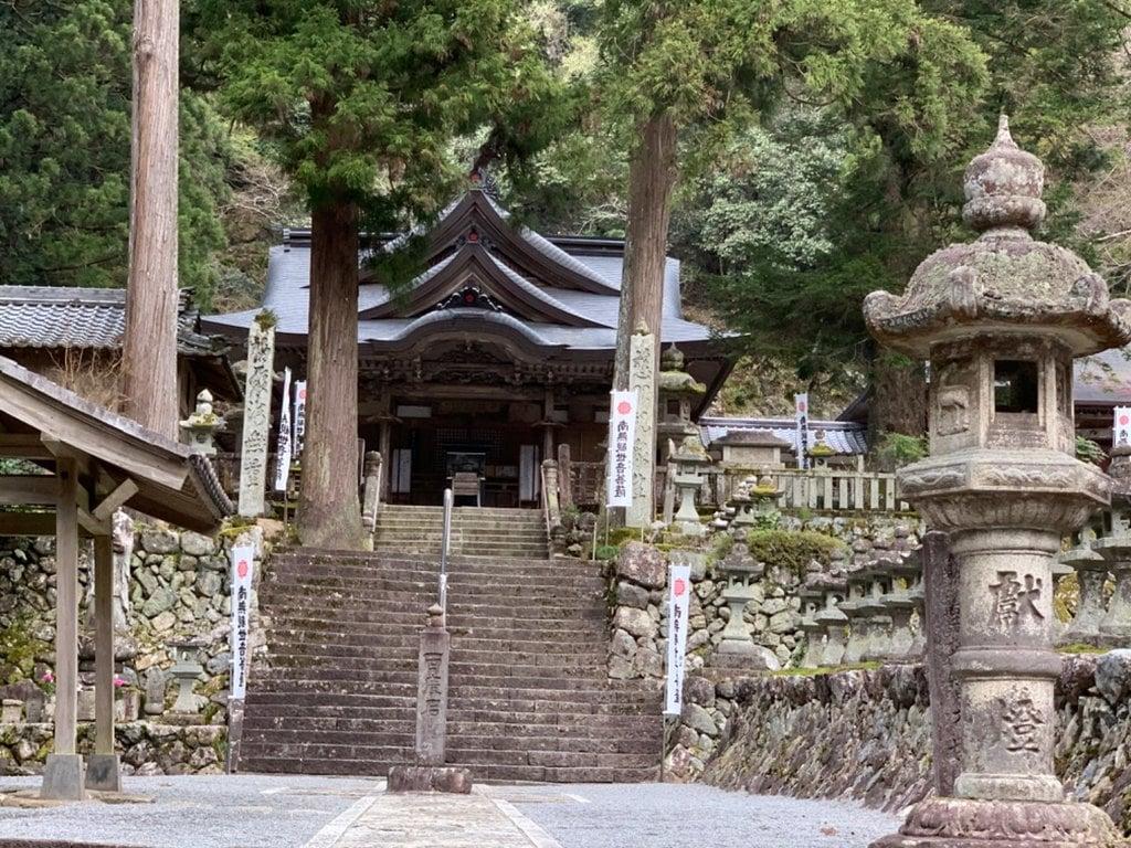 甘南美寺の建物その他