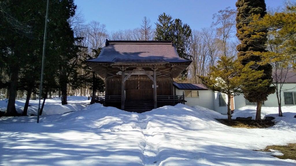 雨粉神社の本殿