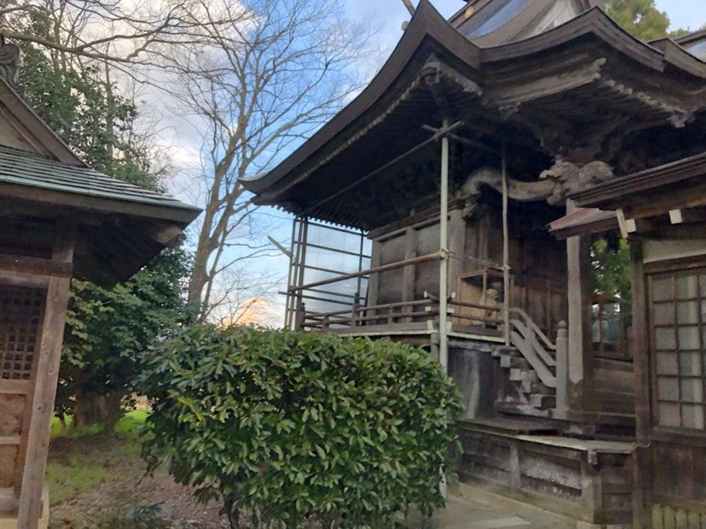 女代神社の本殿