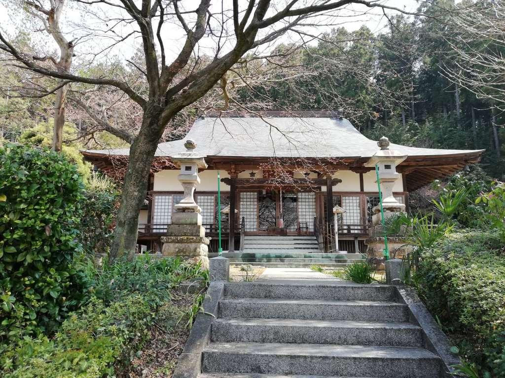 普濟寺の本殿