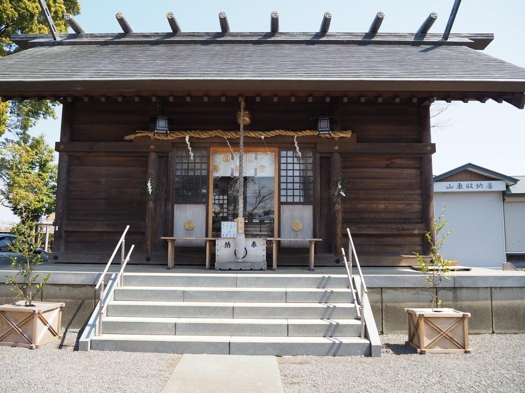 日々神社の本殿