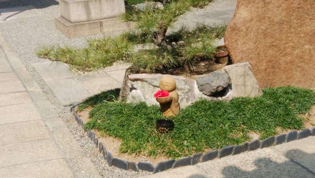 藤次寺の像