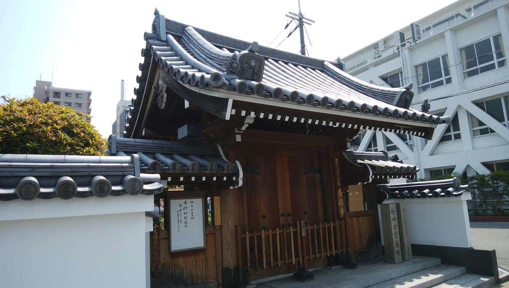 青蓮寺の山門