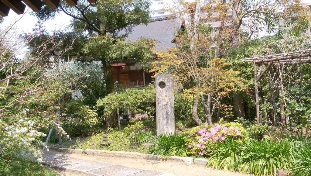 月江寺の本殿
