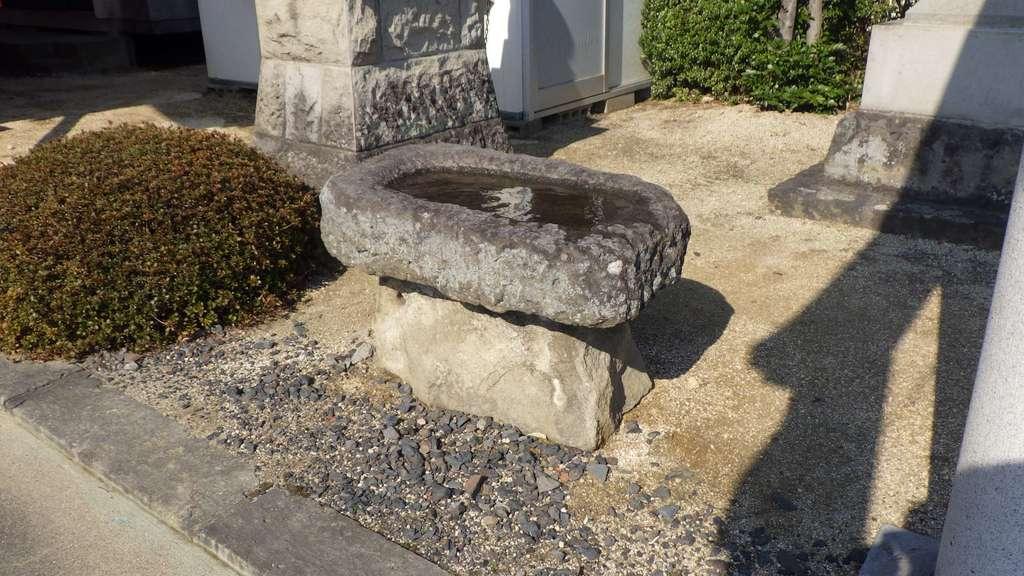 篠葉沢稲荷神社の手水