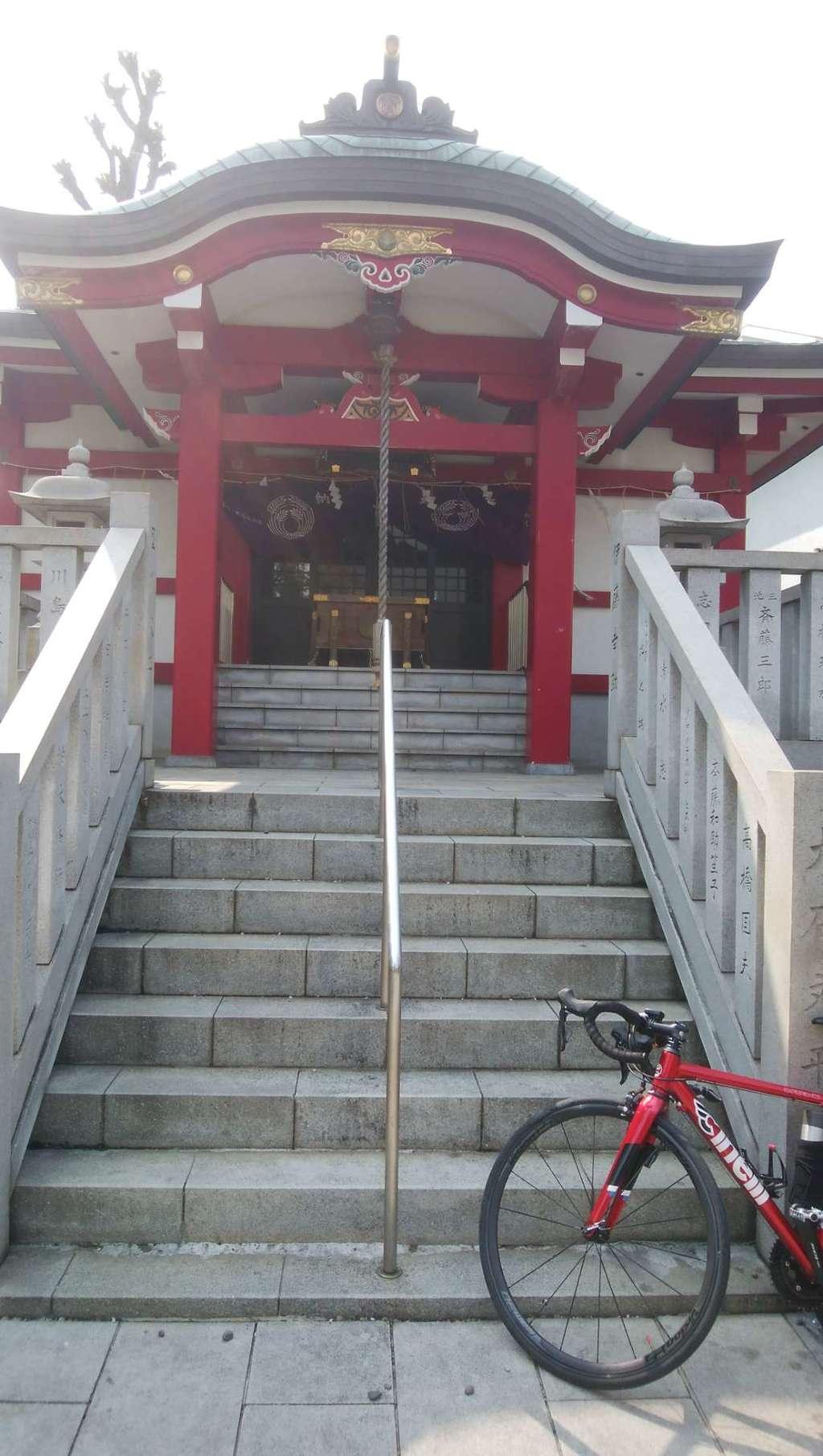 七倉稲荷神社の本殿