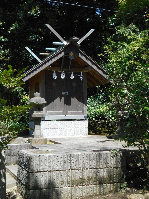 片瀬諏訪神社の末社