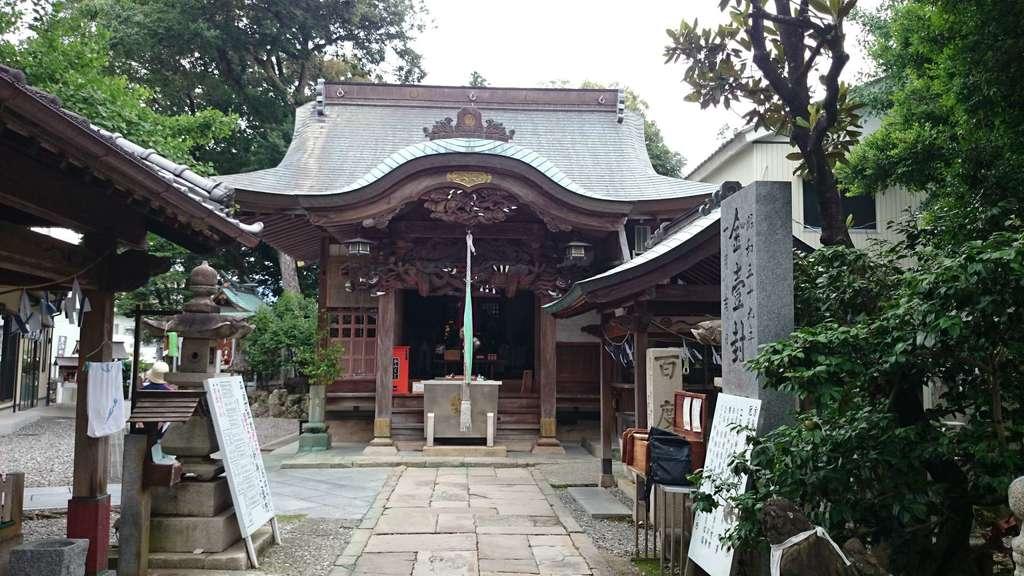 薫的神社の本殿
