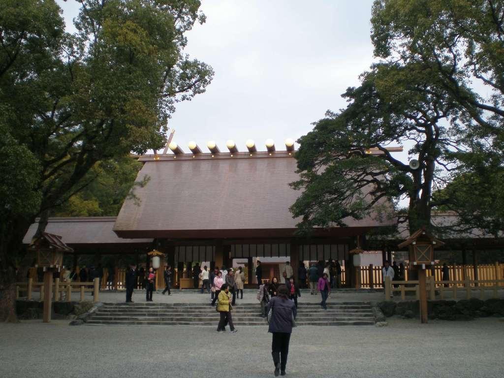 熱田神宮の本殿
