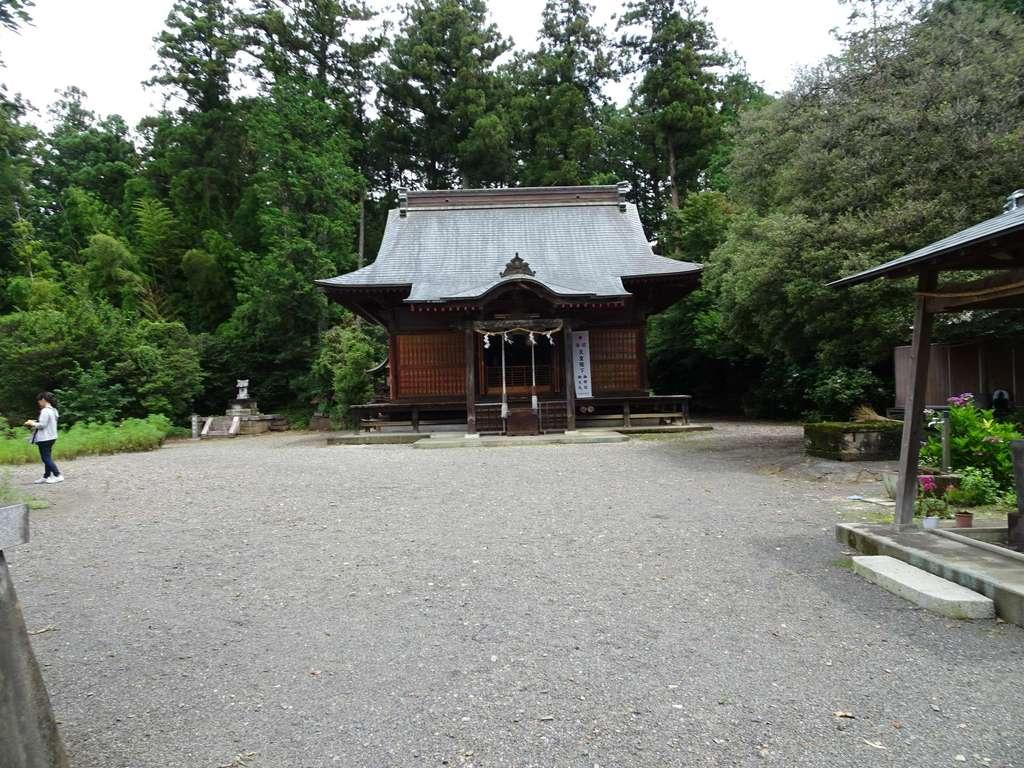 沼鉾神社の本殿