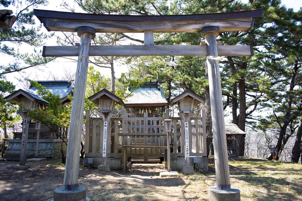 高山稲荷神社の鳥居