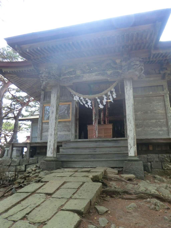 龍興山神社の本殿