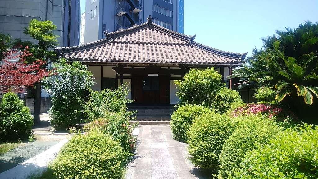 光用寺の本殿