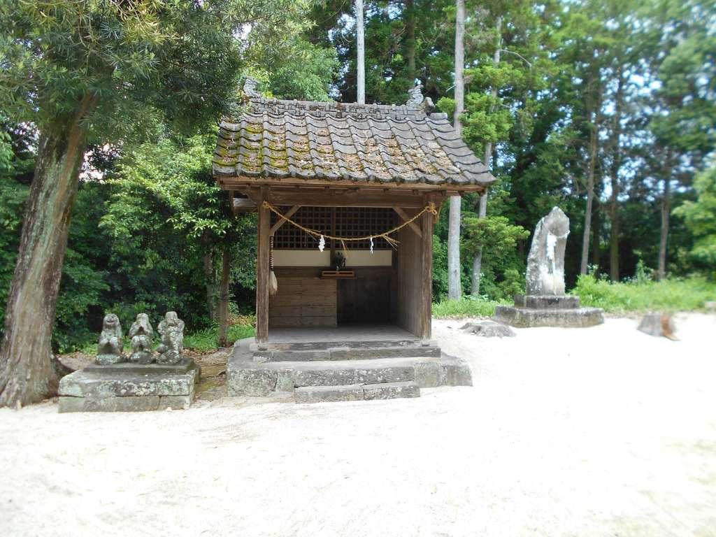 竃門菅原神社の末社
