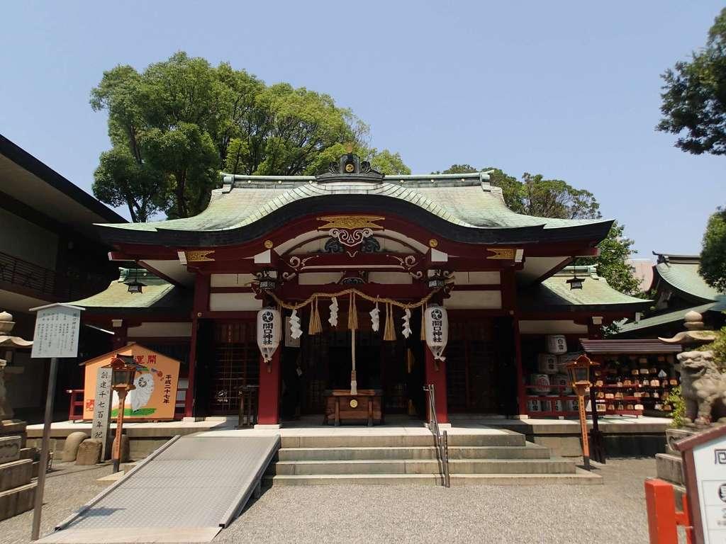 開口神社の本殿