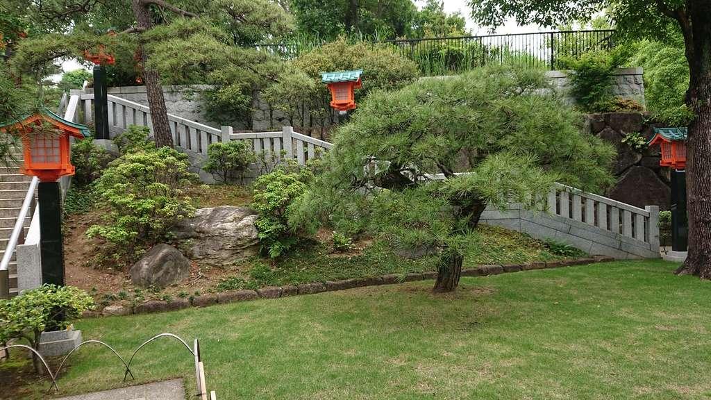 穴八幡宮の庭園