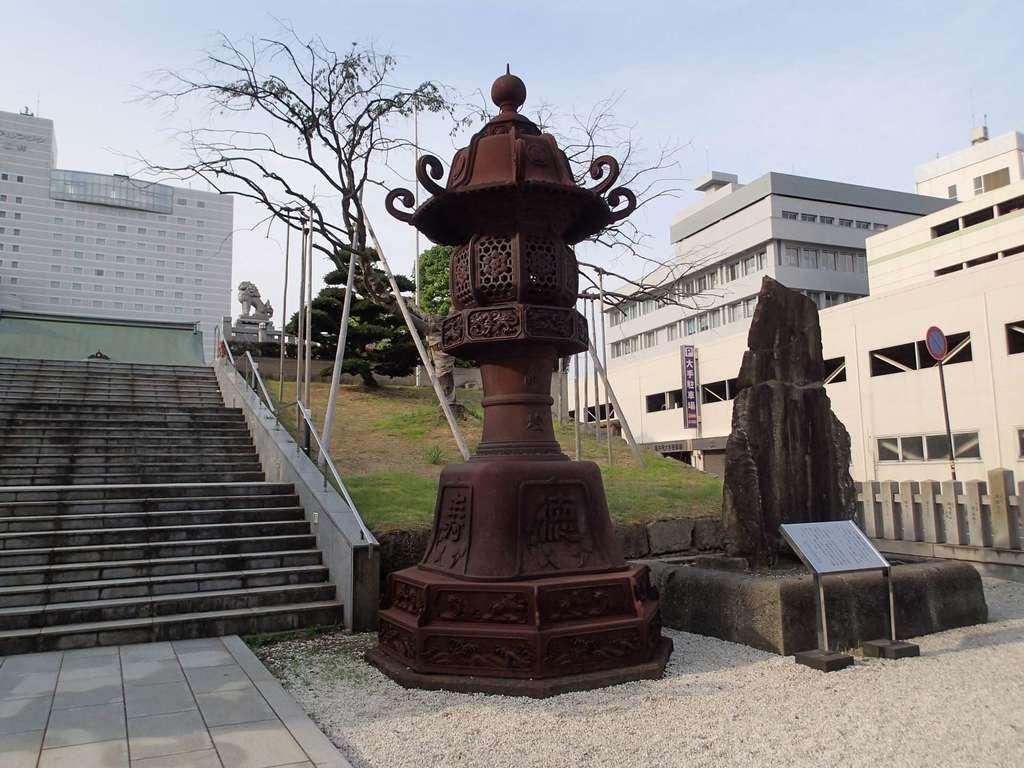 佐佳枝廼社の塔