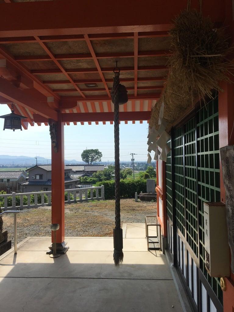 多禰神社の本殿
