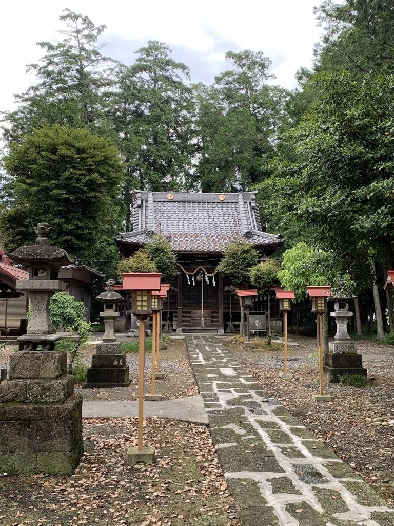 磐根神社の本殿