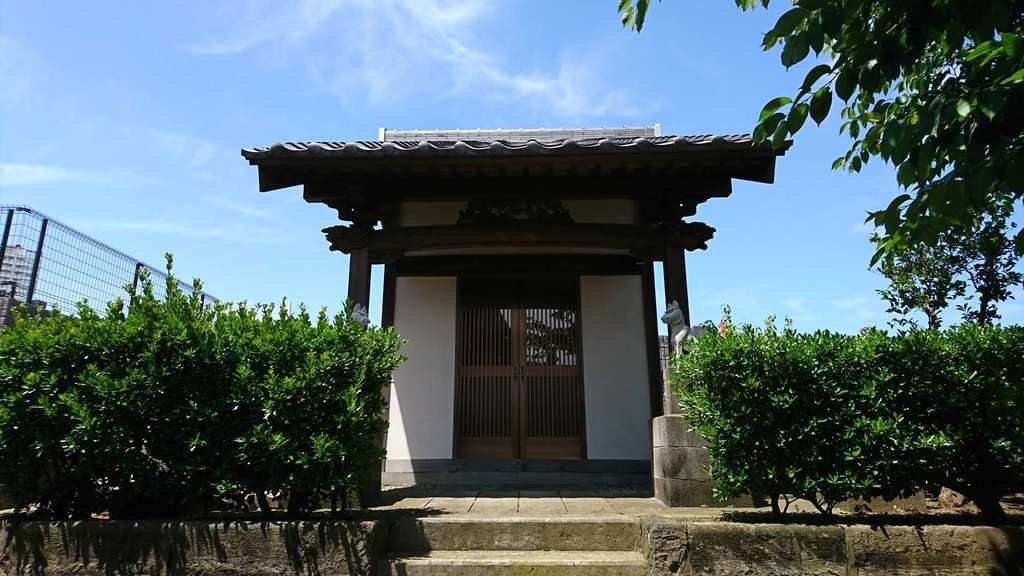 龍本寺の末社
