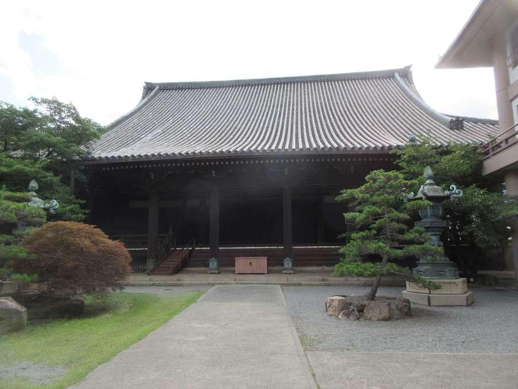 顕証寺の本殿