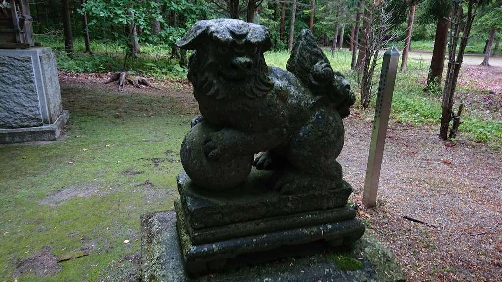 千歳神社の狛犬