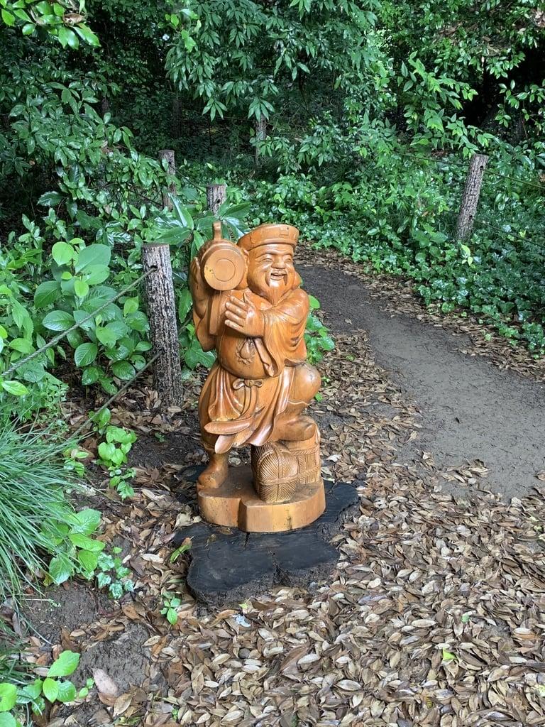 玉敷神社の像