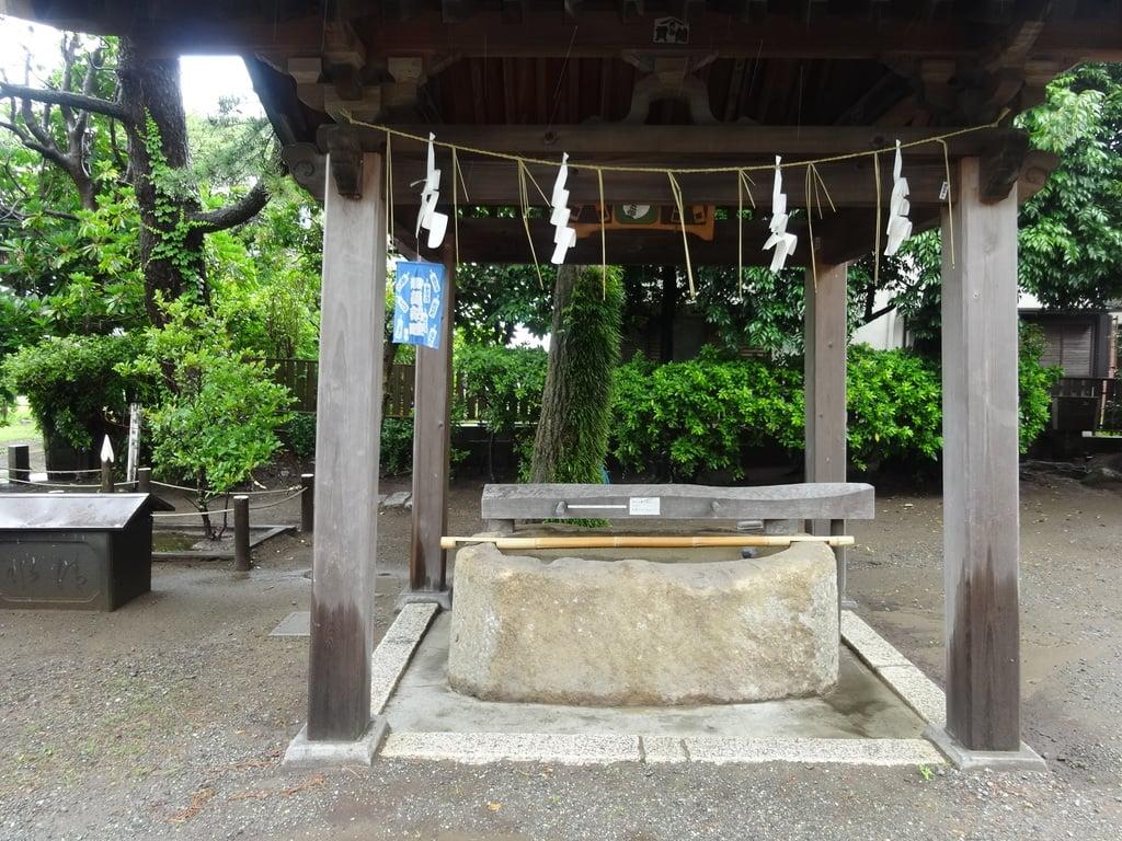 片瀬諏訪神社の手水