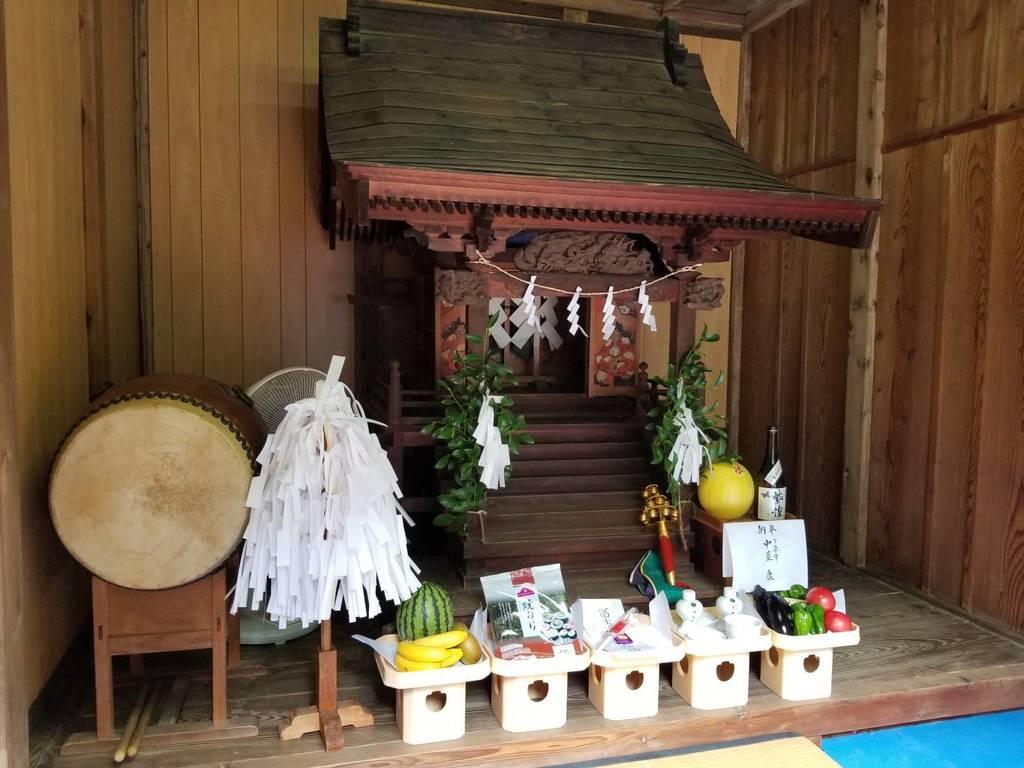 伏木香取神社の末社