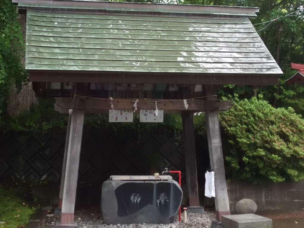 巽山稲荷神社の手水