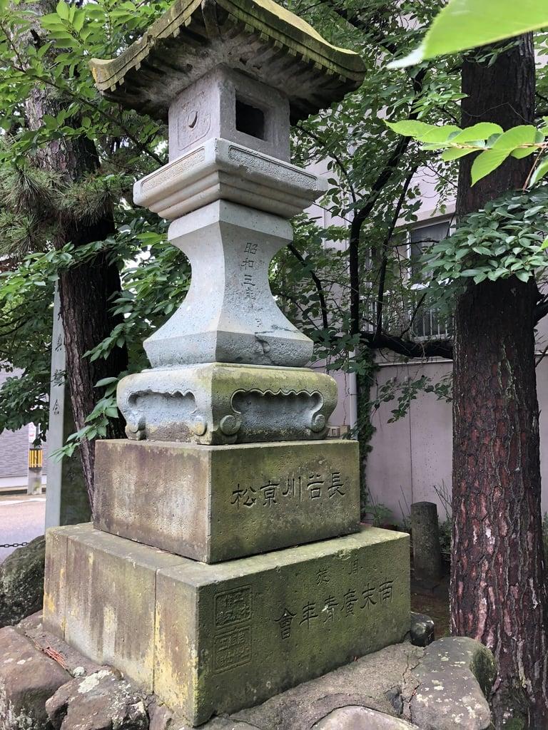 氷川神社の塔