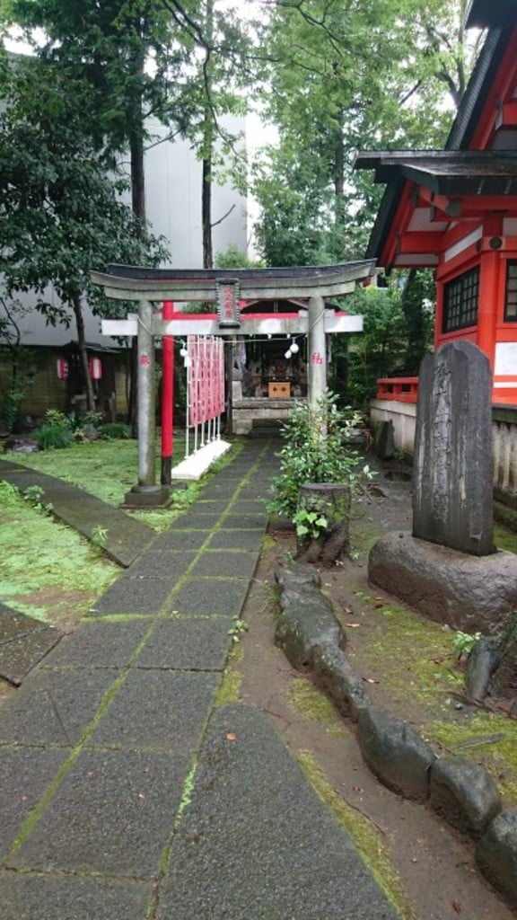 導きの社 熊野町熊野神社の鳥居