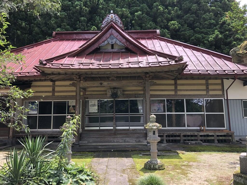 揚源寺の本殿