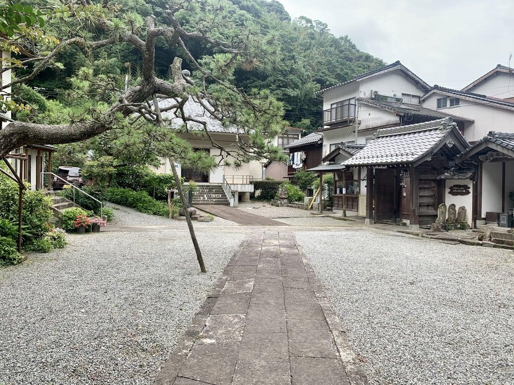 仏谷寺の建物その他